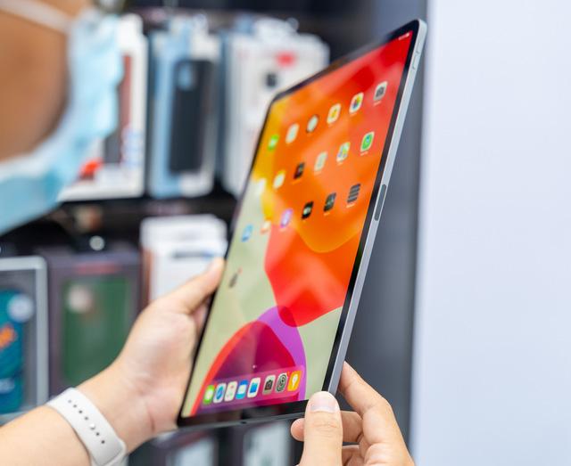 Trên tay iPad Pro 2020 mạnh hơn cả laptop, giá từ 26,9 triệu đồng - ảnh 2