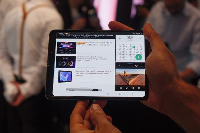 Giá gần 2.000 USD nhưng đến giờ Galaxy Fold mới được cập nhật Android 10 - ảnh 1