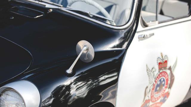 Đấu giá Subaru 360: Xe cảnh sát dễ thương nhất mọi thời đại - Ảnh 15.