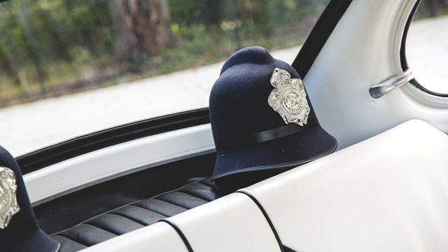 Đấu giá Subaru 360: Xe cảnh sát dễ thương nhất mọi thời đại - Ảnh 7.