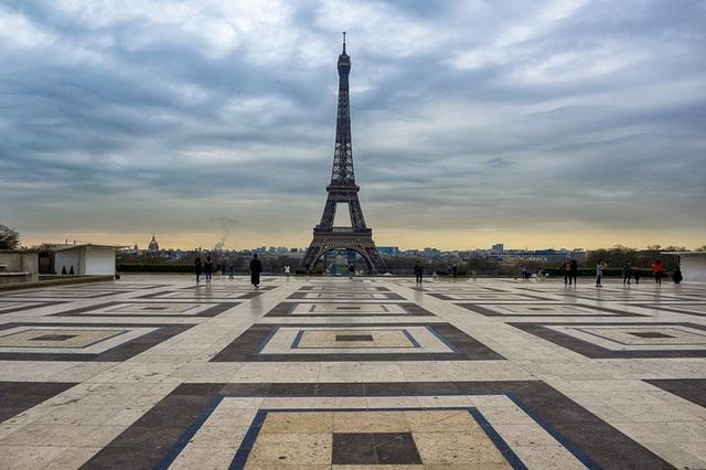 Khung cảnh hoang vắng, ảm đạm ở các thành phố nổi tiếng thế giới - Ảnh 6.