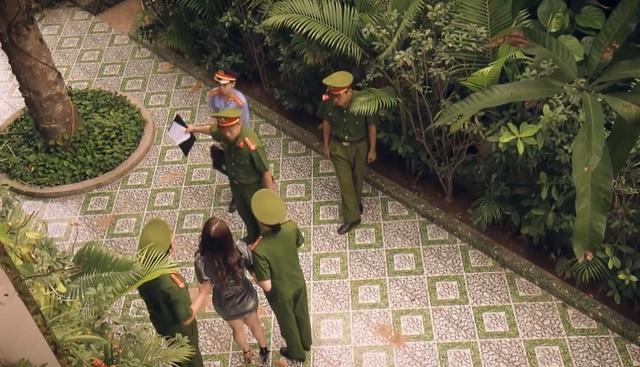 Sinh tử - Tập 77: Quỳnh Trinh (Quỳnh Nga) bị công an bắt - Ảnh 1.