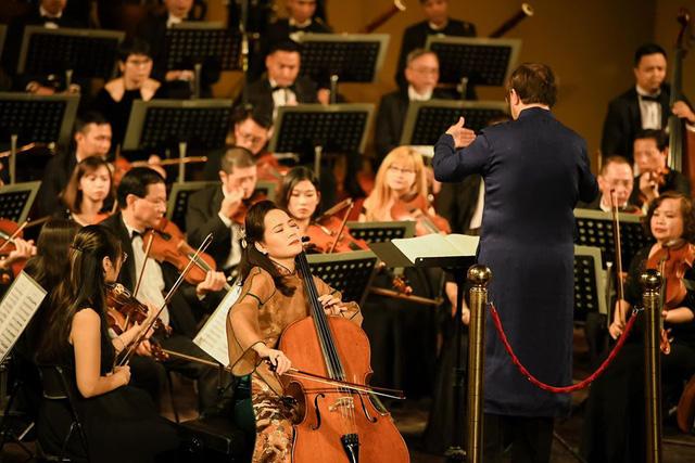 Nữ tiến sĩ cello Đinh Hoài Xuân - Bước đi đầu tiên ra âm nhạc thế giới - Ảnh 1.