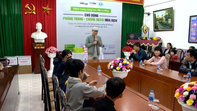 Chung tay chống dịch COVID-19, Bào tử lợi khuẩn Dr. ANH tặng quà tăng đề kháng cho làng trẻ em SOS Hà Nội - Ảnh 2.