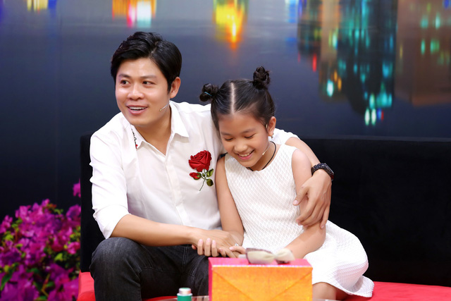 """Nhạc sĩ Nguyễn Văn Chung nghẹn ngào nghĩ đến ngày """"trả con gái nuôi về với mẹ ruột"""" - Ảnh 3."""
