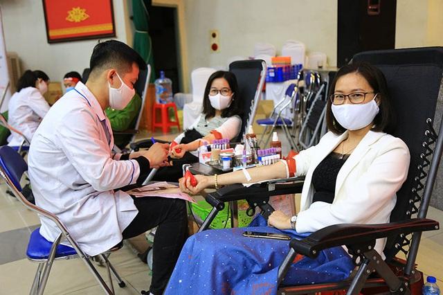 Hiến máu an toàn trong dịch COVID-19 - Ảnh 7.