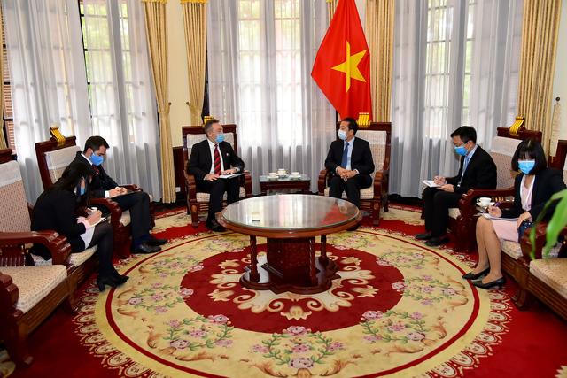 Đại sứ Czech cảm ơn các y, bác sĩ Việt Nam chữa khỏi bệnh cho 1 công dân Czech - Ảnh 2.