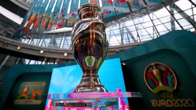 UEFA cân nhắc giảm số lượng thành phố tổ chức VCK EURO 2020 - Ảnh 2.