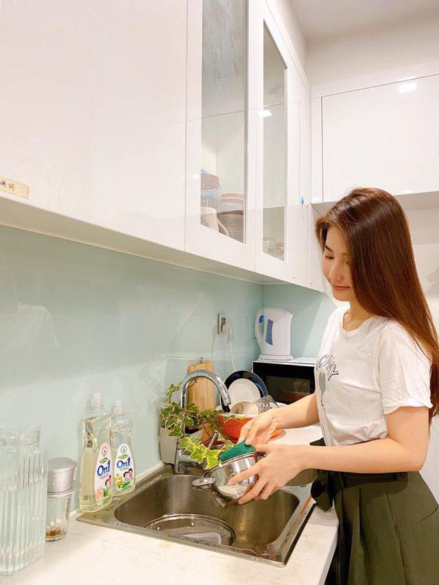Nhật ký ở nhà mùa dịch của loạt diễn viên Việt nổi tiếng (P3) - Ảnh 4.