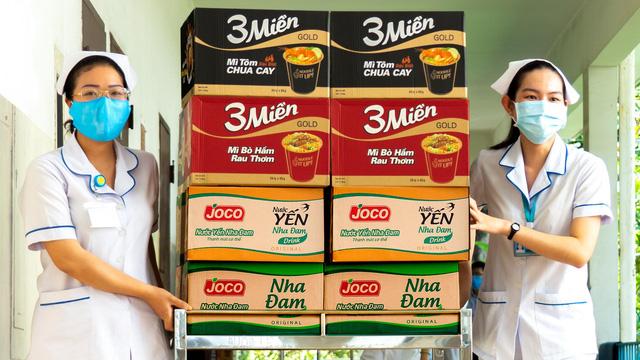 Uniben trao tặng 150.000 bữa ăn dinh dưỡng cho đội ngũ y bác sĩ - Ảnh 4.