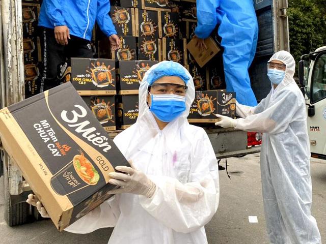 Uniben trao tặng 150.000 bữa ăn dinh dưỡng cho đội ngũ y bác sĩ - Ảnh 8.