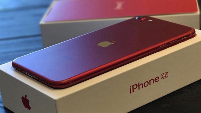 Người dùng Trung Quốc chê iPhone SE mới - Ảnh 1.