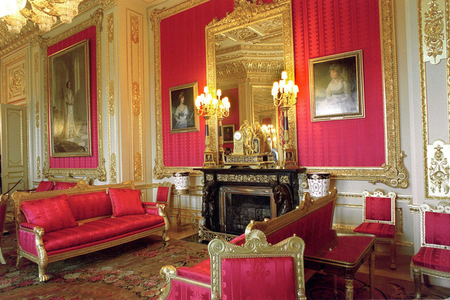 Choáng ngợp trước những căn phòng lộng lẫy trong Cung điện Hoàng gia Anh - Ảnh 4.