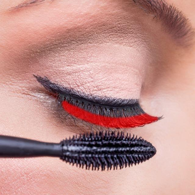 8 bật mí về cách làm đẹp lông mi được chuyên gia giải đáp - Ảnh 1.