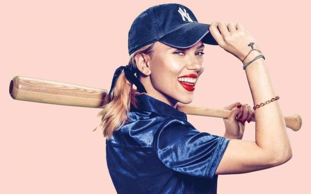Scarlett Johansson chưa từng dễ thương thế này - Ảnh 1.
