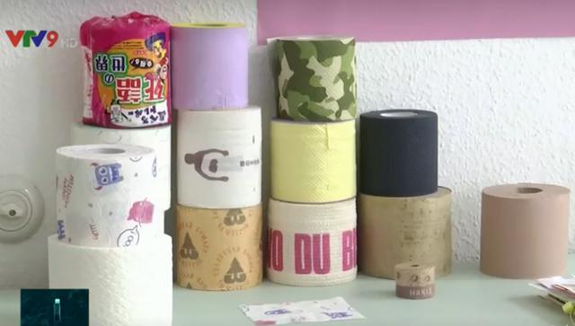 Độc đáo bộ sưu tập 800 cuộn giấy vệ sinh - Ảnh 1.