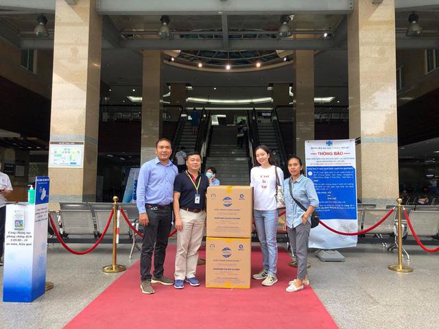 Công ty Cổ phần Samaki Power trao tặng 18.000 khẩu trang tới quận Hoàng Mai, Hà Nội - Ảnh 4.