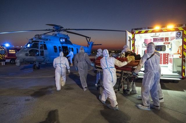 Pháp biến tàu cao tốc thành bệnh viện di động - Ảnh 2.