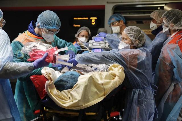 Pháp biến tàu cao tốc thành bệnh viện di động - Ảnh 1.