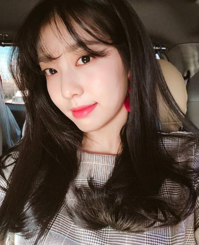 Vợ mới cưới của tài tử So Ji Sub sở hữu vẻ ngoài xinh đẹp và kiều diễm - Ảnh 1.