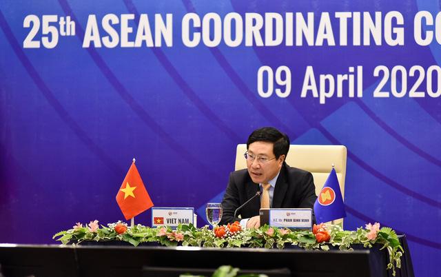 Hội đồng điều phối ASEAN lần đầu tiên họp trực tuyến - Ảnh 2.