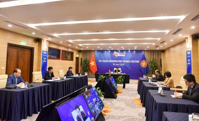 Hội đồng điều phối ASEAN lần đầu tiên họp trực tuyến - Ảnh 1.