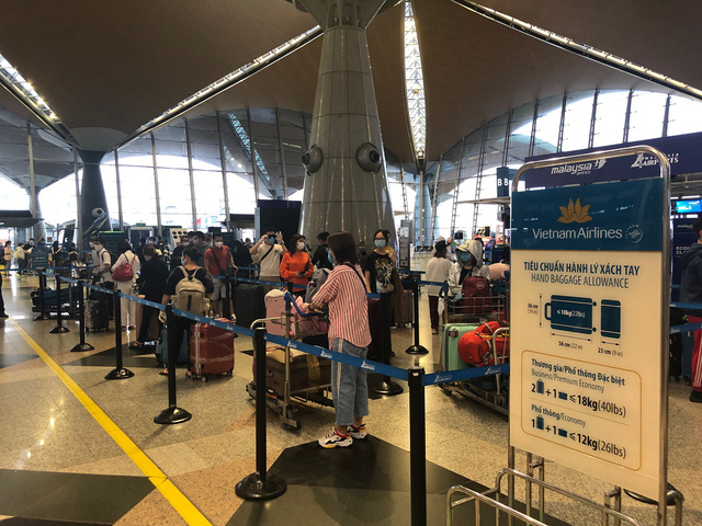 Hơn 270 công dân Việt Nam từ Malaysia về nước an toàn  - Ảnh 1.