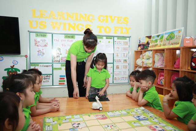 Thú vị lớp học lập trình robot của các bé mầm non - Ảnh 8.