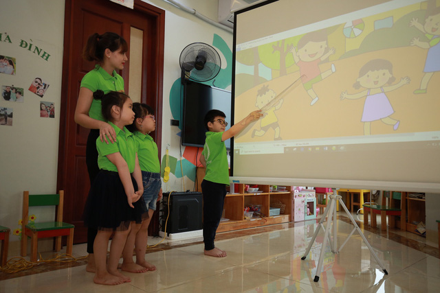 Thú vị lớp học lập trình robot của các bé mầm non - Ảnh 6.