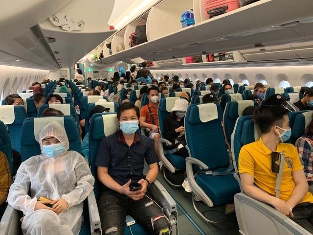 Hơn 270 công dân Việt Nam từ Malaysia về nước an toàn  - Ảnh 4.