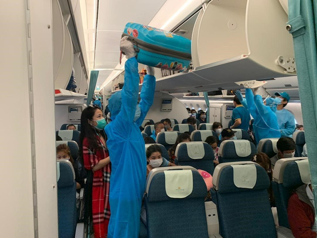 Hơn 270 công dân Việt Nam từ Malaysia về nước an toàn  - Ảnh 3.