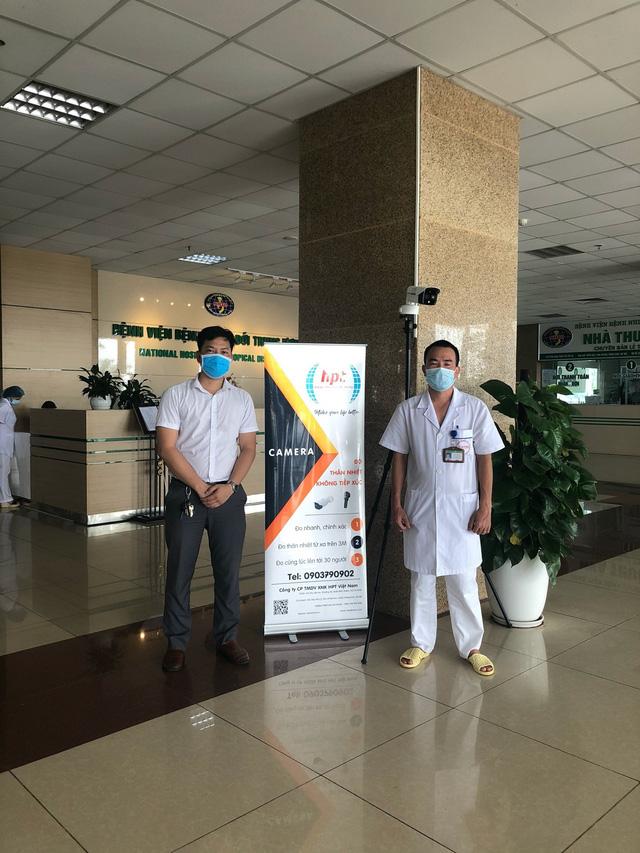 Bệnh viện Bệnh Nhiệt đới Trung ương trang bị hệ thống camera đo thân nhiệt từ xa - Ảnh 4.