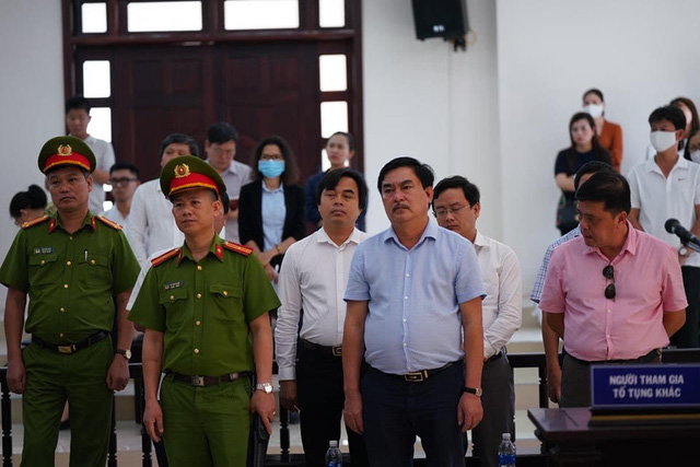 Bác kháng cáo kêu oan của 2 cựu chủ tịch Đà Nẵng và Phan Văn Anh Vũ - Ảnh 3.