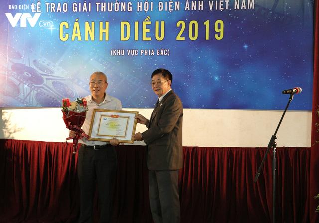 Nhìn lại những hình ảnh đáng nhớ tại lễ trao giải Cánh diều 2019 - Ảnh 1.