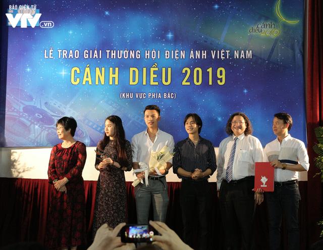 Nhìn lại những hình ảnh đáng nhớ tại lễ trao giải Cánh diều 2019 - Ảnh 20.