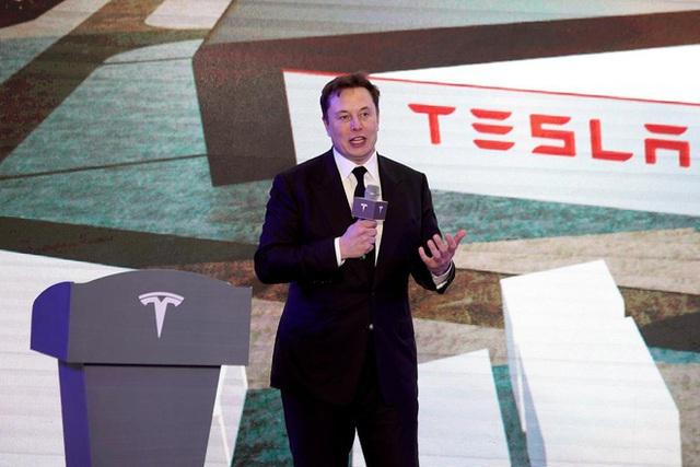 Bất mãn lệnh phong tỏa, Elon Musk dọa chuyển       trụ sở Tesla khỏi California - Ảnh 1.