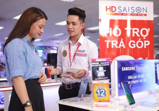 HD SAISON khẩn trương chia sẻ gánh nặng tài       chính với khách hàng - Ảnh 1.