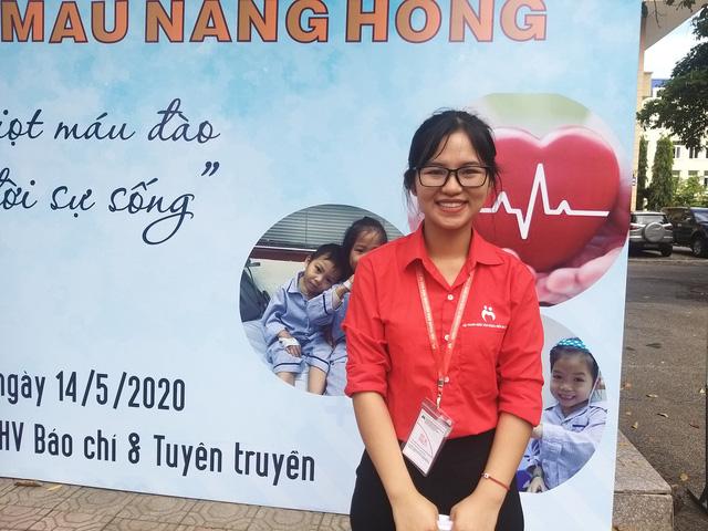 Tiếp nhận hàng trăm đơn vị máu tại Học viện Báo chí và Tuyên truyền trong mùa dịch COVID-19 - Ảnh 3.