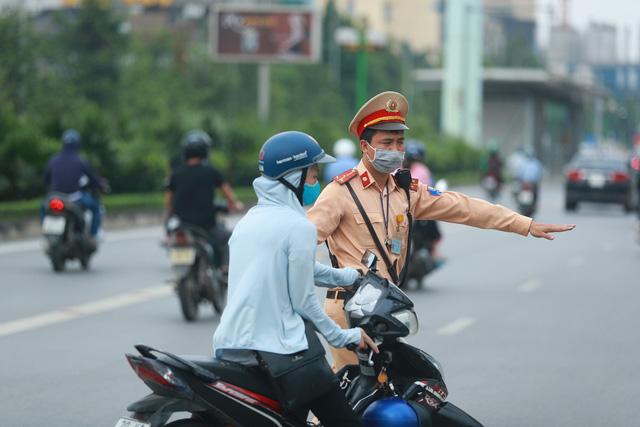 Tăng cường bảo đảm an toàn giao thông cao điểm Tết Dương lịch, Tết Nguyên đán - Ảnh 1.