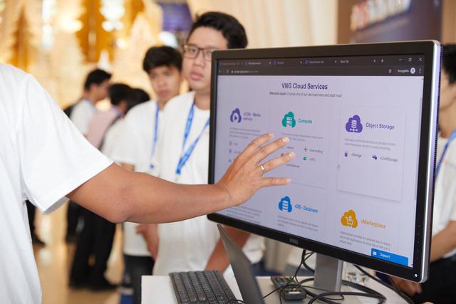 Vietnam Online Hackathon - Xây dựng giải pháp chuyển đổi số hậu COVID-19 - ảnh 1