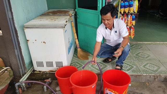 Thiếu nước sinh hoạt vì xâm nhập mặn tại Đà Nẵng - Ảnh 1.