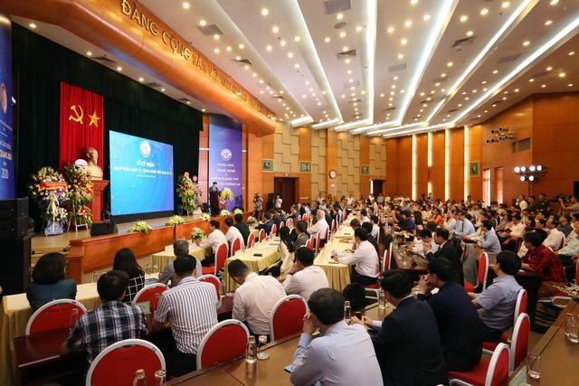 Giải thưởng Tạ Quang Bửu 2020: Vinh danh các nhà khoa học tài năng và những tấm gương chống dịch COVID-19 - Ảnh 1.