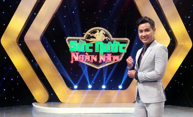Nguyên Khang lần đầu tiên dẫn gameshow về pháp luật, giật mình vì tiền thưởng khủng - Ảnh 1.