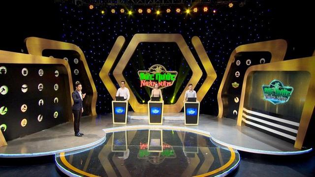 Nguyên Khang lần đầu tiên dẫn gameshow về pháp luật, giật mình vì tiền thưởng khủng - Ảnh 2.