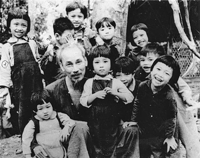 Kí ức lần đầu tổ chức sinh nhật Bác Hồ: Xin đồng bào hãy nghĩ đến đồng bào nghèo khó, hơn là hao phí cho tôi - Ảnh 1.