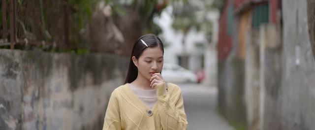 Nhà trọ Balanha - Tập 27: Chết cười màn tranh thủ hôn trên xe bus của Lâm - Hân - ảnh 6