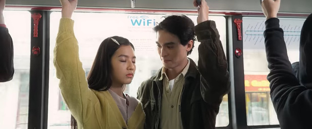 Nhà trọ Balanha - Tập 27: Chết cười màn tranh thủ hôn trên xe bus của Lâm - Hân - ảnh 1