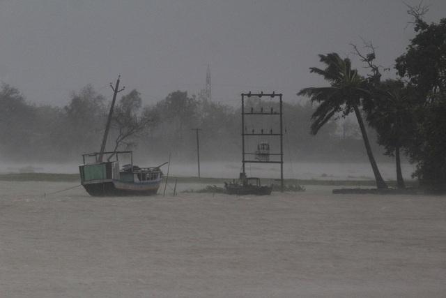 Siêu bão Amphan tàn phá Ấn Độ và Bangladesh, ít nhất 20 người thiệt mạng - Ảnh 6.
