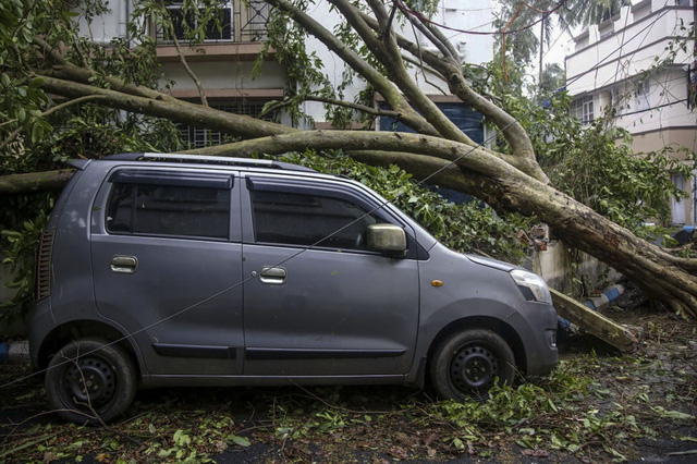 Siêu bão Amphan tàn phá Ấn Độ và Bangladesh, ít nhất 20 người thiệt mạng - Ảnh 8.