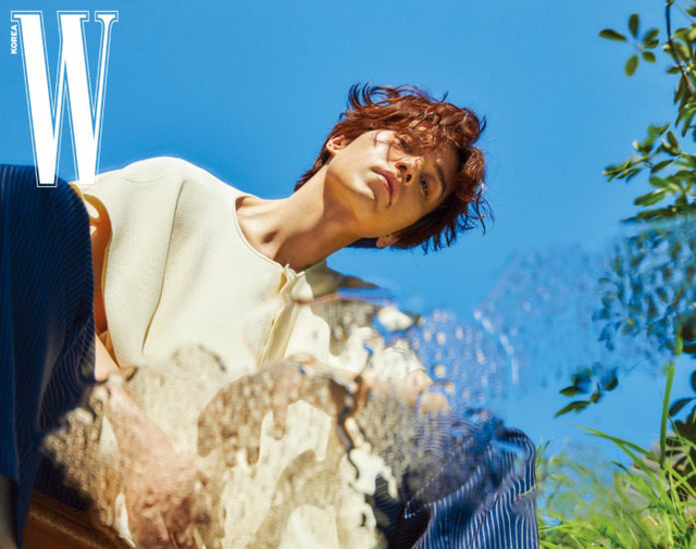 Lee Dong Wook lạnh lùng và lãng tử trong bộ ảnh mới - Ảnh 1.